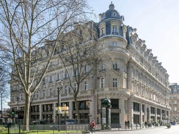 Transformation  immeuble Haussmannien en 42 logements sociaux - Rue du Louvre Paris-2